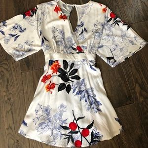 Floral Maternity blouse.